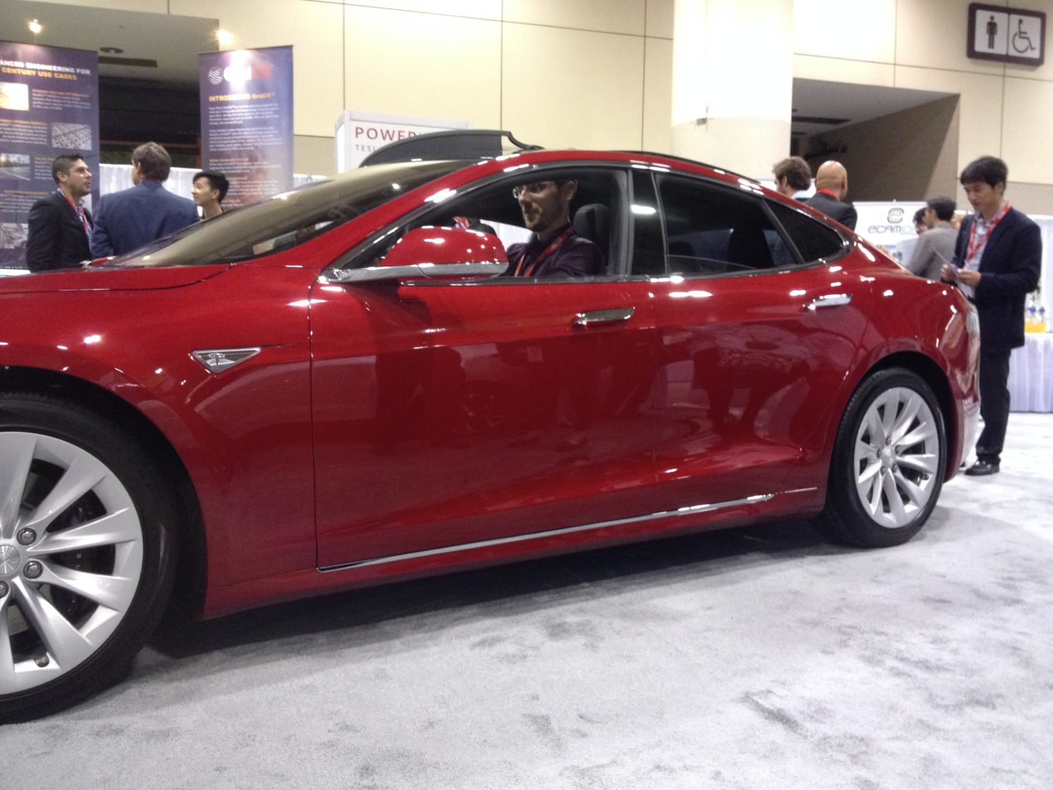 Tesla S70D Outside View