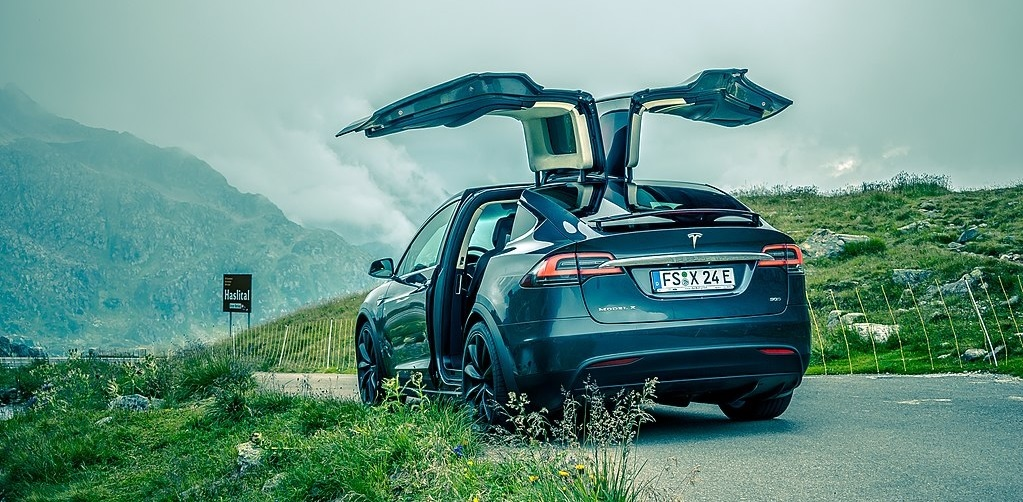 Tesla Model X Best Cars for Tall People